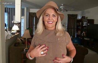 एक युवा जोड़े घर पर अश्लील रखा सेक्सी मूवी फुल वीडियो