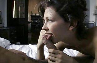 माता-पिता पड़ोसियों और शांत बेटी के साथ एचडी मूवी सेक्सी मस्ती करते हैं,