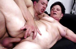 एक वीडियो मूवी सेक्सी आदमी पहले व्यक्ति में उतार देगा, क्योंकि युवती गधे में एक मुखौटा पहनती है