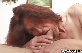 एक बूढ़ा आदमी सड़क पर सेक्सी मूवी हिंदी वीडियो एक युवा वेश्या लेता है