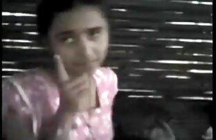 एक युवा लड़की पेशी पड़ोसियों के पास जाती सेक्स सेक्सी हिंदी मूवी है