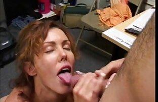 Pissing कमबख्त एक एचडी एचडी सेक्सी मूवी भाग्यशाली आदमी के साथ सेक्स